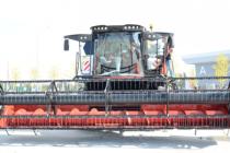 Парк тюменского АПК пополнят сорок комбайнов и тракторов Ростсельмаша